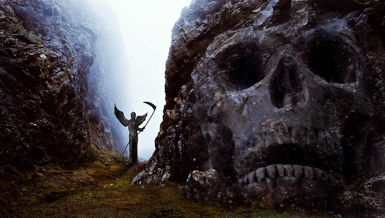 11 Creepiest Things Found In Caves