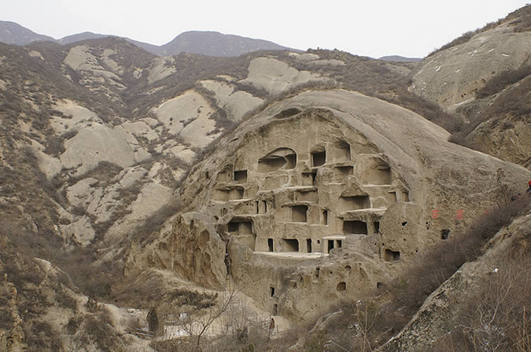 21st Century Cave People. 30 MILLION LIVE IN CAVES IN CHINA.